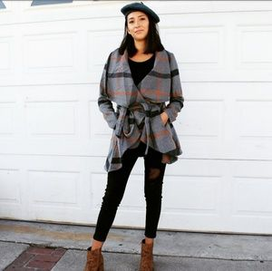 Jackets & Blazers - 🆕//Fall Favorite Collection// Plaid Charcoal Coat